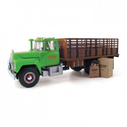 First-Gear 19-3914 1/34 Mack R-Model Stake Truck_18128