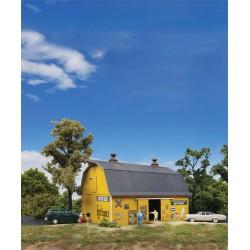 933-3339 HO Antiques Barn_22049