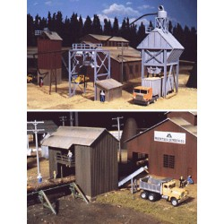 HO Sawmill Outbuilding_25822