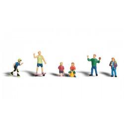 785-A1830 HO kids at play_26694