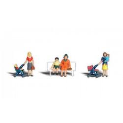 785-A1832 HO moms and kits_26696