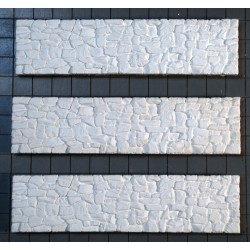 169-363 HO Waterfront Stone Bulkhead (Hydrocal) 3_35005