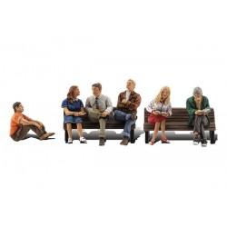 HO sitzende Personen (ohne Bank)_3815