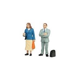 Scen-22-191 G Standing Passengers (2)_39902