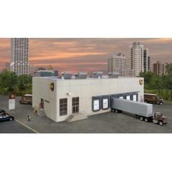 933-4110 HO UPS(R) Hub with Customer Center_41201