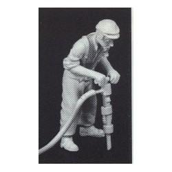 PHO-121 1:43 Figuren unbemalt, Arbeiter m. Hammer_55115