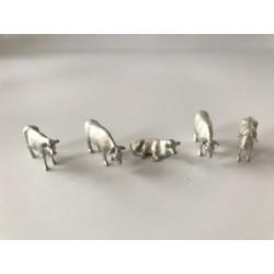 HO Kühe unbemalt 4 stehend 1 liegend_55393