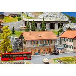 HO Wohnhaus mit Dorfladen_56644