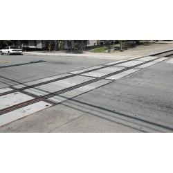 HO Concrete Grade Crossing_59247