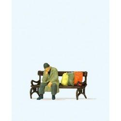 HO Obdachloser auf Parkbank_60209