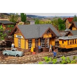 G Amerikanischer Bahnhof Silverton 510x375 x 340mm_63706