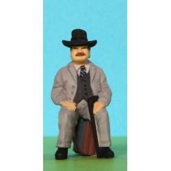 2301-A200-P Sitting gentleman w. stick_6402