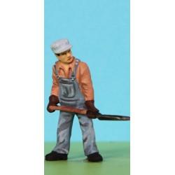 2301-R10-P Fireman mit Schaufel, bemalt_6620