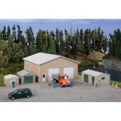 HO Pole Barn & Metal Sheds Kit_66279